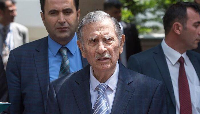 Son dakika: Eski başbakanlardan Yıldırım Akbulut hastaneye kaldırıldı