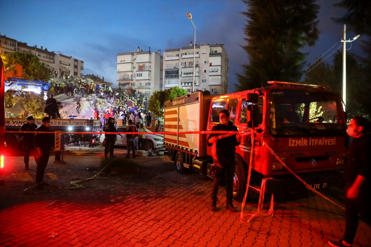 Son Dakika: İzmir'deki depremde ölü sayısı 35'e yükseldi