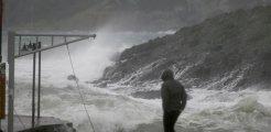 Türkiye'nin batısında kuvvetli yağış ve fırtına uyarısı! Evlerin çatıları bile uçabilir