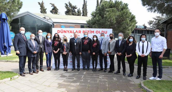 Türkiye'nin gururu Diyarbakırlı gençler İstanbul'da Enver Yücel ile buluştu