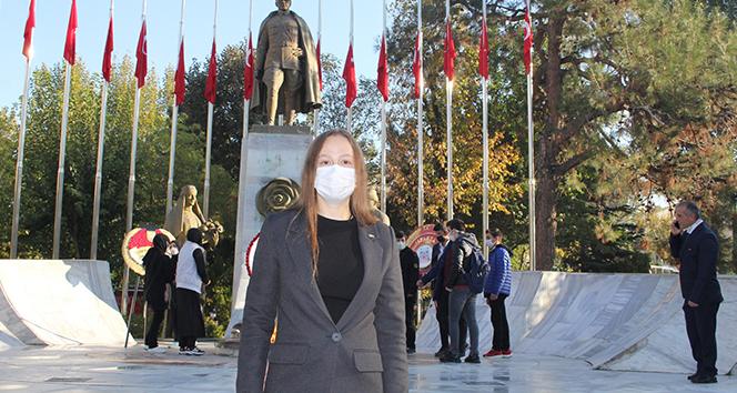 Ukraynalı genç kızın Atatürk sevgisi