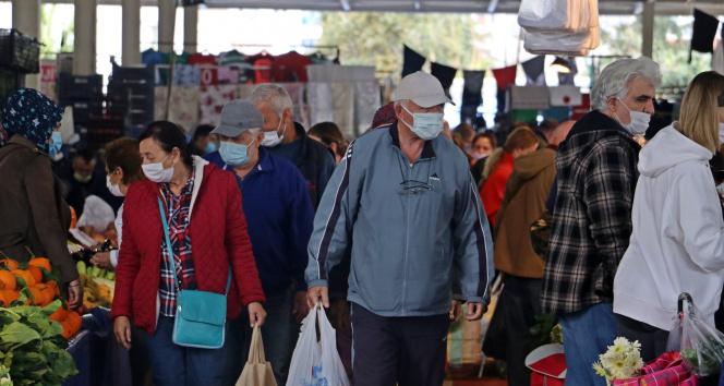 Yüksek riskli Antalya'nın kapalı semt pazarında endişelendiren görüntü
