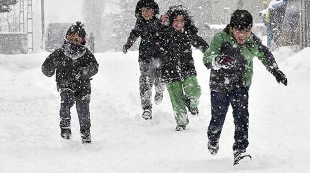 Yüz yüze eğitime 6 ilde kar yağışı engeli